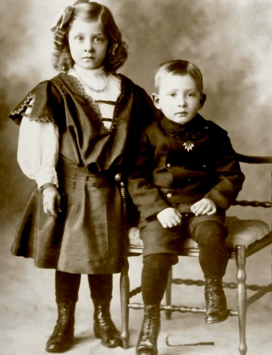 Mabel and Clifford 1908