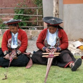 Back on our bus headed toward Cuzco, we stopped at Chincheros to see a weaving demonstration.